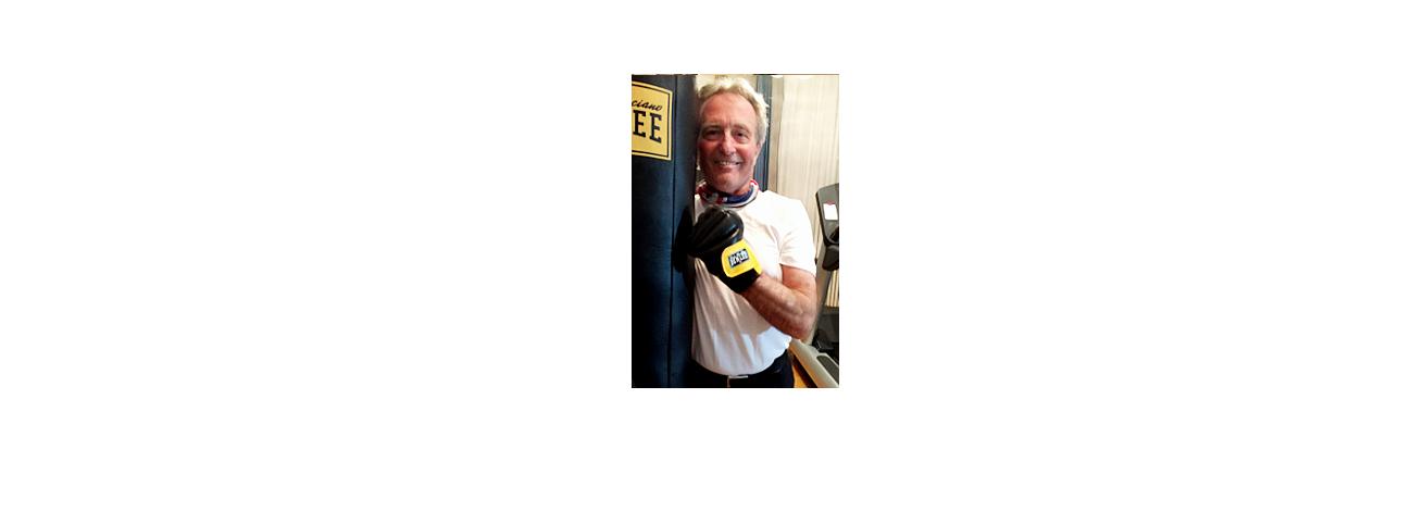 Prof beim Boxtraining